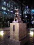 渋谷、独り佇む忠犬ハチ公